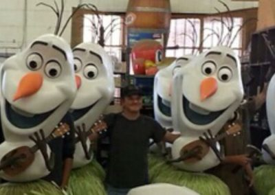 Disney's Frozen Olaf Theater Display2