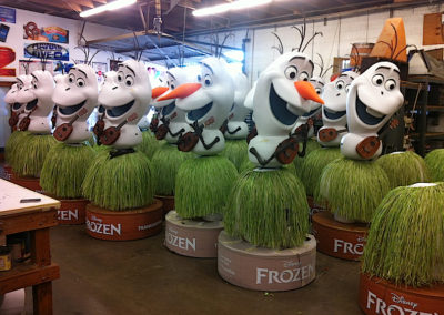 Disney's Frozen Olaf Theater Display4